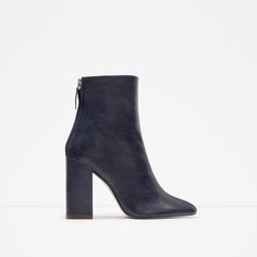 ZARA | LEATHER ANKLE BOOTS WITH BLOCK HEEL  REF. 6132/001  139.00 USD