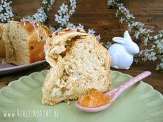 Oster-Hefekranz mit Apfel-Pistazien-Füllung | Foodblog rehlein backt