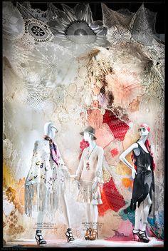 Bergdorf Goodman – New York Fashion Week Windows Retail Windows, Store Windows, Visual Merchandising, Clothing Displays, Fashion Displays, Window Shopper, Visual Display, Display Design, Store Window Displays