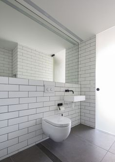 Birchgrove House by Nobbs Radford Architects - Architecture Portfolio Bathroom Toilets, Bathroom Renos, Bathroom Layout, Modern Bathroom, Bathroom Ideas, Minimal Bathroom, Washroom, Bathroom Fixtures, Modern Interior Design