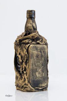 10 Rocky and stony design of bottle.