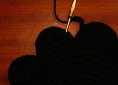 Touhumaa - Harrastelijan ihmemaa! Heart, Crochet, Earrings, Crochet Hooks, Ear Rings, Stud Earrings, Ear Jewelry, Crocheting, Chrochet