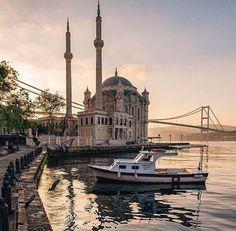 Hotels-live.com/cartes-virtuelles #MGWV #F4F #RT Istanbul Turkey. Photo Credit: @sezyilmaz. Tag: #lifeonourplanet by lifeonourplanet https://www.instagram.com/p/BELP6K-CSYk/