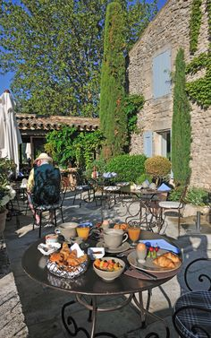 At the heart of the vineyards of Provence, discover La Bastide de Marie, an exceptional property for a bespoke holiday. Paris Country, French Country Cottage, French Country Style, Cozy Cafe, Hotel Restaurant, Outdoor Cafe, Hotel Services, Provence France, South Of France