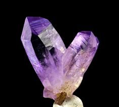 Crystals Minerals, Rocks And Minerals, Crystals And Gemstones, Stones And Crystals, Metal Jewelry, Body Jewelry, Gemstone Jewelry, Clear Crystal, Crystal Healing