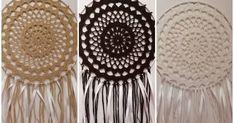 """Lapače snů jsou opět v módě. Já jsem jich už pár udělala, třeba vám časem hodím nějaké fotky dalších. Dneska vám přináším """"návod"""" na... Dream Catcher, Mandala, Crochet, Home Decor, Art, Creative, Crochet Hooks, Homemade Home Decor, Dreamcatchers"""