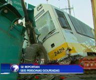 Tren descarrila tras chocar contra tráiler en San Pedro