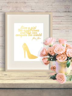 Marilyn Monroe print - the right shoes, famous #marilynmonroe quote, gold art print, marilyn monroe decor, monroe poster, #gold #shoe print