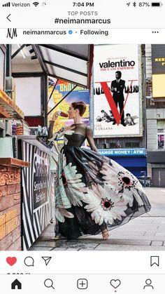 Vintage Wear, Retro Vintage, Vintage Fashion, Vintage Style, Women's Fashion, Valentino The Last Emperor, Neimen Marcus, Old Hollywood Glamour, Fabulous Fabrics