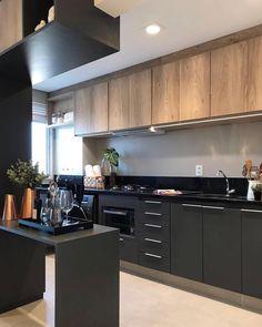 Black kitchen! Amei! Projeto Claudia Albertini @pontodecor | @maisdecor_ www.homeidea.com.br Face: /homeidea Pinterest: Home Idea #homeidea #arquitetura #ambiente #archdecor #cozinha #projeto #homestyle #home #homedecor #pontodecor #homedesign #photooftheday #interiordesign #interiores #picoftheday #decoration #revestimento #decoracao #architecture #archdaily #inspiration #project #regram #home #casa #grupodecordigital
