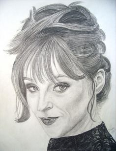 SD @shr2da1 - Ruth Connell, Rowena, pencil sketch. #SPNFamily @WinchesterBros @FangasmSPN @RuthieConnell