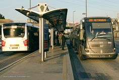 Istanbul, articulated buses, BRT stations, BRT station interior, BRT roadways at stations, BRT vehicles