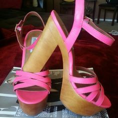Summer sandals! Beautiful hot pink, summer must have, girly,  flirty and comfy! They go perfect with short, dress, skinny jeans and more. Steve Madden Shoes Sandals