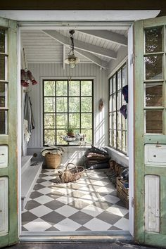 my scandinavian home: A Photographer's Charming Swedish Summer Cottage In The Woods - a veranda with white panelling and painted chequer floor. / Lantliv home A Photographer's Charming Swedish Summer Cottage In The Woods Cottage Kitchen Renovation, Cottage Kitchens, Cottage Homes, Cottage Living, Cottage In The Woods, Cottage Style, Modern Cottage Decor, Small Cottage Interiors, Lakeside Cottage