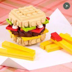 ¡Feliz fin de semana!  #BurgerDreamers #LaRoyale #PacoPerez #Barcelona #HamburguesasDeAutor #LEGO
