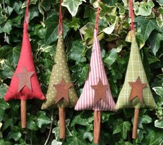 Christmas ornaments: Fabric tree with cinnamon stick trunks. Primitive country.