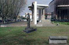 ESTÁTUA DE ROCHA PEIXOTO - Estátua em bronze. 2010