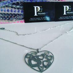 Collana lunga con pendente a forma di cuore  #agira #gioiello #leonforte #sanvalentino #love #amore #infinity #infinito #morellato #swarovski #diamante #corallo #perle #cammeo #tourbillon #lotus by gioielleriapagano