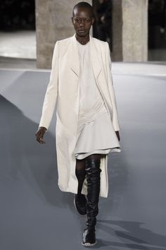 Rick Owens Fall 2016 Ready-to-Wear Fashion Show Collection