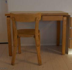 Artek Alvar Aalto kirjoituspöytä ja 69 tuoli