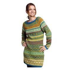 Gennemmønstret kjole (2244) - BC Garn - kit til salg hos Woolspire. Vi har et kæmpe udvalg af garn, strikkeopskrifter og strikketilbehør.