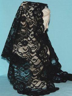 St. Aleydis' Black Lace Mantilla by PetersBride on Etsy