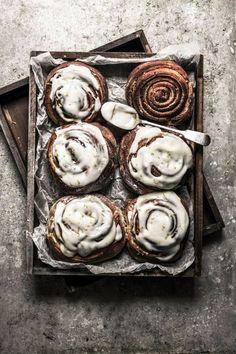 Lemon poppy seed sticky rolls - a cinnamon roll alternative Sticky Rolls, Sticky Buns, Baking Recipes, Dessert Recipes, Brunch Recipes, Bread Recipes, Delicious Desserts, Yummy Food, Sweet Bread