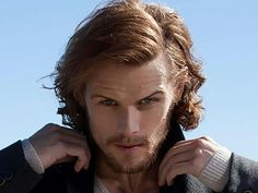 Sam Heughan.... this is the most beautiful picture of him right now. Ugh, he's gorgeous.