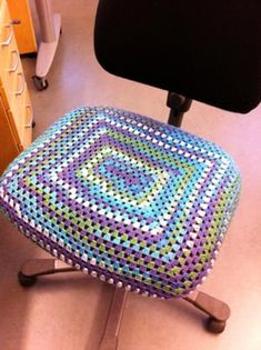 Pimp your office chair with granny squares. (Rather: a granny rectangle.)