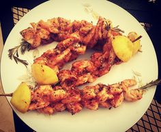 Grilled Shrimp is one of my favorite dishes. This Rosemary Sriracha Shrimp Skewers recipe is super simple but is sure to impress. Start of with medium sized shrimp. Remove the heads, peel, and remove the 'main vein' running down the back of the shrimp. Make sure you have some healthy rosemary stalks. If you buy …