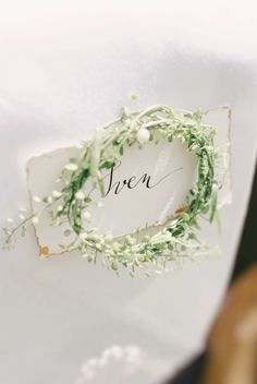 Tipps und Tricks für Dein perfektes Hochzeits-Dinner Table Decorations, Wedding, Beautiful, Party, Wedding Ideas, Rustic Barn Weddings, Getting Married, Tips And Tricks, Place Cards