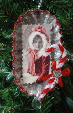 Vintage girl tart tin I made. Vintage Christmas Crafts, Victorian Christmas Ornaments, Noel Christmas, Christmas Crafts For Kids, Diy Christmas Ornaments, Homemade Christmas, Christmas Projects, Holiday Crafts, Christmas Decorations