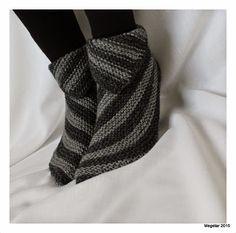 Crochet Socks, Knitting Socks, Crochet Yarn, Hand Knitting, Knitting Patterns, Sewing Patterns, Knitted Booties, Knitted Slippers, Wool Socks