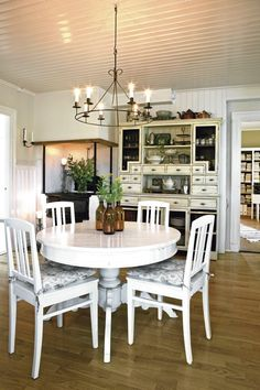 country chic dining room  | Nordic-Bliss-Swedish-home-country-style-dining-room