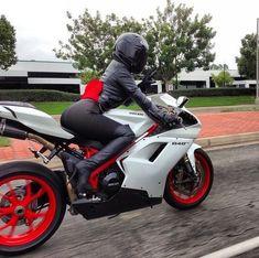 Ducati 848 Evo & a Hot biker girl Lady Biker, Biker Girl, Ducati 848 Evo, Ducati Superbike, Course Moto, Chicks On Bikes, Ducati Motorcycles, Vintage Motorcycles, Yamaha