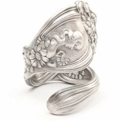 cute ring always wanted a spoon ring just like Ruthies! :)