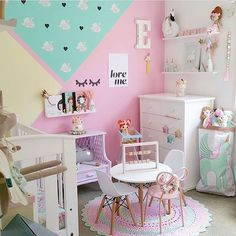 Lovely desk designs ideas for your kids 24 - If you own a table in your kid's playroom, for instance, use small brightly-colored storage boxes as chairs. There are several desk designs that are available on the market which simply disappear in the wall or Girls Room Paint, Girls Bedroom, Bedroom Decor, Kid Bedrooms, Shared Bedrooms, Bedroom Ideas, Fantasy Bedroom, Pastel Room, Princess Room