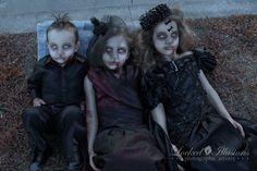 Zombie Kids by LockedIllusions Zombie Kid, Zombie Walk, Halloween 2015, Halloween Costumes For Kids, Halloween Make Up, Halloween Photos, Family Costumes, Zombie Costumes, Halloween Zombie