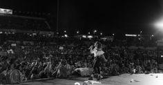 http://ift.tt/2j9UmtE http://ift.tt/2k55HiI  Soledad se presentó el sábado en el Festival Nacional de Doma y Folklore de Jesús María en el marco de la celebración de sus 20 años de carrera.  La noche marcó un nuevo récord de convocatoria con algo más de 20.000 espectadores. En la previa de la presentación desde los medios de comunicación venían rememorando aquella primera presentación en 1997 luego de su revelación en el Festival de Folklore de Cosquin 1996. Y es que la historia de la…