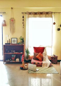 Jayati and Manali share their home tour as the science home décor – the study a… – Indian Living Rooms Indian Bedroom Decor, Indian Home Decor, Indian Room, Home Decor Furniture, Diy Home Decor, Home Furnishings, Indian Living Rooms, Contemporary Home Decor, Contemporary Bathrooms