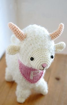Year of the Sheep or the Goat - Free Amigurumi Pattern- PDF Format English with Charts here: http://gosyo.co.jp/english/pattern/eHTML/ePDF/1501/214w-366ami2_Year_of_the_Sheep_Amigurumi.pdf Japanese Pattern here: http://www.gosyo.co.jp/img/acrobat/214w/366ami2.pdf