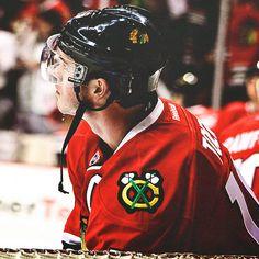 bulletproof in black like a funeral Blackhawks Hockey, Chicago Blackhawks, Black N Red, Hockey Boards, Captain My Captain, Hockey Baby, Stanley Cup Champions, Jonathan Toews, Patrick Kane