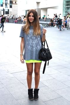 vintage band tee/ neon skirt / sneaker wedges/ i wish i had pretty tan like my skin is as pale as a vampires. Looks Style, Style Me, Your Style, Neon Skirt, Tube Skirt, Bandage Skirt, Yellow Mini Skirt, Look Fashion, Womens Fashion