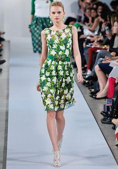 Oscar de la Renta Pre-Fall 2013 / Green Short Dress with White Floral Prints