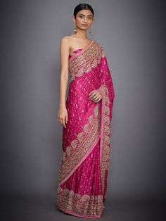 Bridal Sarees South Indian, Indian Silk Sarees, Indian Designer Sarees, Indian Bridal Fashion, Pakistani Dress Design, Indian Wedding Outfits, Indian Outfits, Indian Designers, Ethnic Outfits