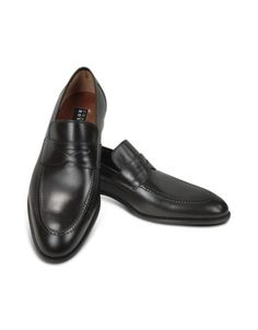 Black Calf Leather Penny Loafer Shoes -  Black Calf Leather Penny Loafer Shoes Fratelli Rossetti Enter the world of Fratelli Rossetti, one of the major Made in Italy shoe producers since 1953. In a perfect mix between style and tradition with a touch of unpredictability, this model in black calfskin features penny strap and...