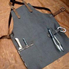 Leder-Arbeit-Schürze mit Messer Scheide Taschen von CyclonaDesigns