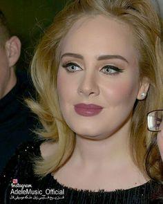 ا ادل در حال امضا کردن آلبوم 25 از دست هواداران چند روز بعد از انتشار  Nov 2015  @Adele #ادل#آدل#موسیقی#موزیک#سلبریتی#خواننده#آهنگ#آلبوم#ویدیو#کلیپ#عکس#کنسرت#کنسرت_زنده #Adele#Music#daydreamer#clip#video#Album#celebrity#clips#concertlive #single#song#AdeleConcert#Adelevideo http://tipsrazzi.com/ipost/1505019678475745202/?code=BTi52xzhPey