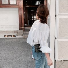 Image shared by h a n n a h. Find images and videos about girl, fashion and style on We Heart It - the app to get lost in what you love. Girl Fashion, Fashion Outfits, Womens Fashion, Fashion Belts, Vientiane, Casual Fall Outfits, Minimal Fashion, Ulzzang Girl, Aesthetic Clothes