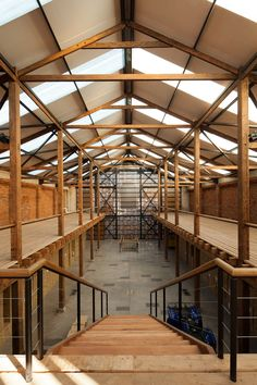 Image 17 of 25 from gallery of Scanavini Barn / Juan Sepúlveda Grazioli + Cecilia Wolff Cecchi. Photograph by Juan Sepúlveda Grazioli Factory Architecture, Architecture Details, Industrial Architecture, Interior Architecture, Interior Design, Metal Building Homes, Building A House, Barn Pictures, Timber Structure